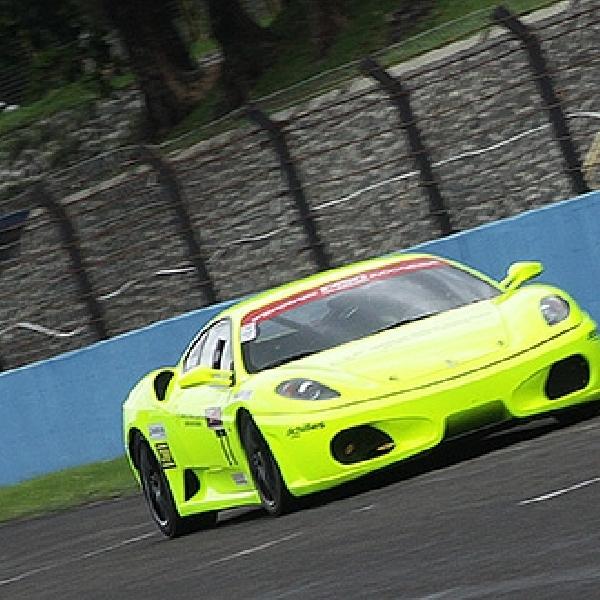 Ferrari F430 Vs Mercedes-Benz C63 AMG Bikin Panas ISSOM Seri ke-6