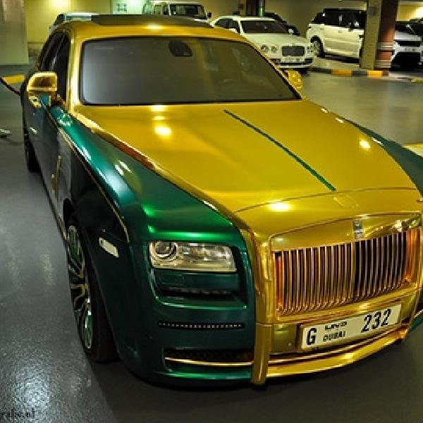 Tampilan Nyentrik Rolls Royce