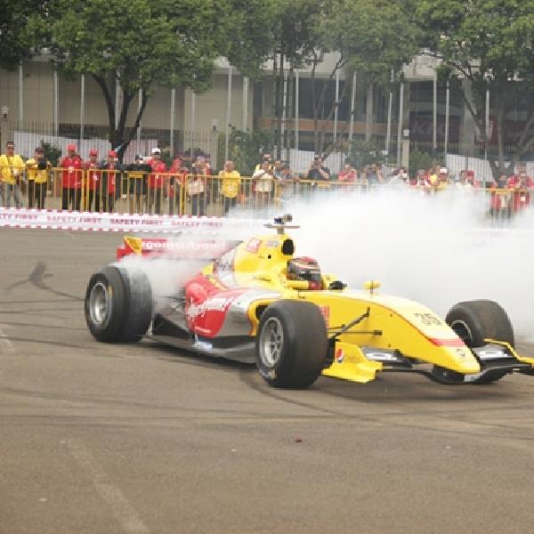 Sean Gelael Kembali Balapan di Formula Renault 3.5 Bersama Tom Dillmann
