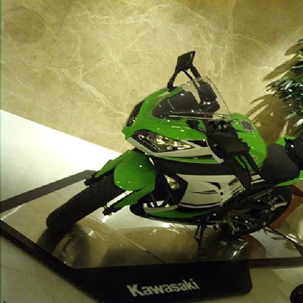 Kawasaki Sediakan 100 Unit untuk ZX-10R dan 300 unit untuk Ninja 300