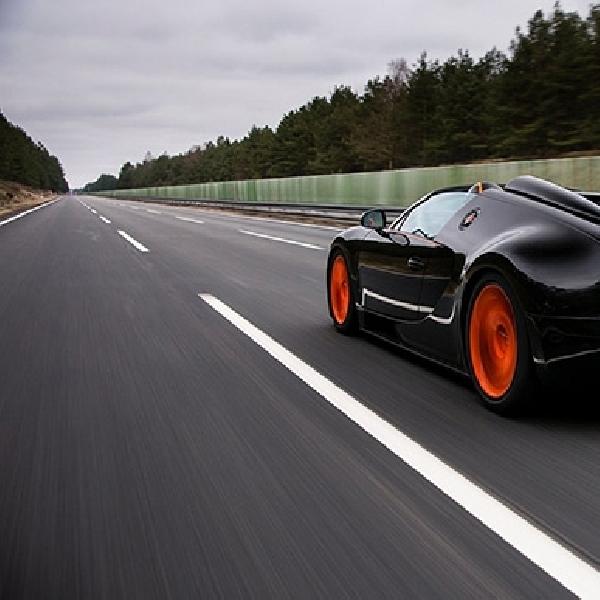 Sekolah Mengemudi Ini Pakai Bugatti Veyron Sport Vitesse