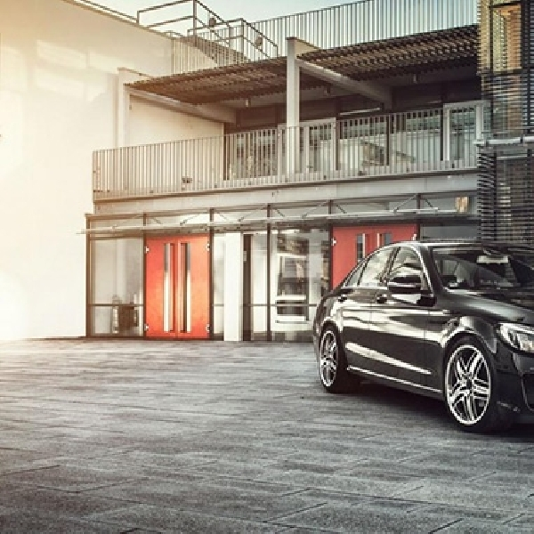 Modifikasi Agresif Mercedes-Benz C-Class W205 dari Lorinser