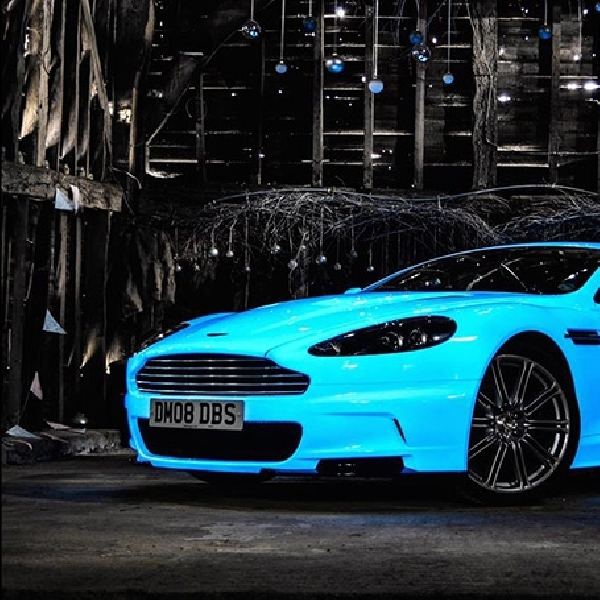 Aston Martin DBS Glow In The Dark, Sanggup Bertahan 10 Jam