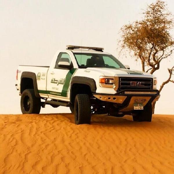 GMC Sierra Jadi Armada Anyar Polisi Dubai