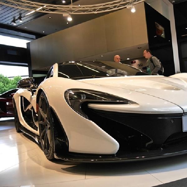 McLaren P1 Mejeng di Tiongkok