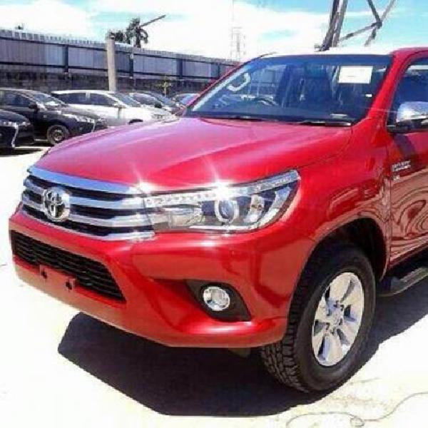 Toyota Hilux Mulai Menampakkan Diri