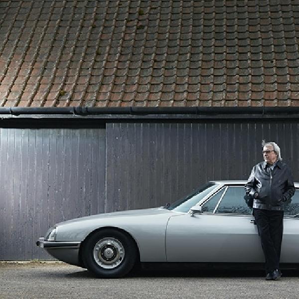 Bassist Rolling Stones Lelang 2 Koleksi Mobilnya