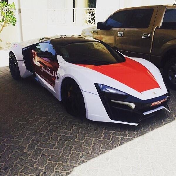 Polisi Dubai Gunakan Lykan Hypersport Untuk Armada Patroli