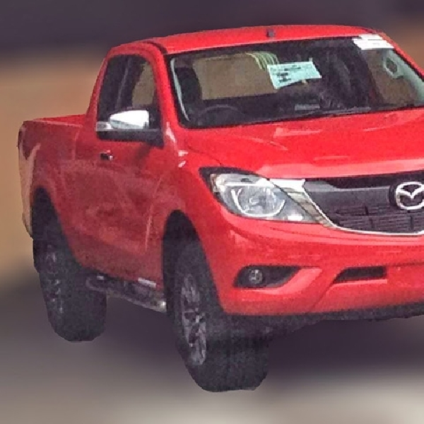 Foto Pick-up Mazda BT-50 Teranyar Mulai Bocor