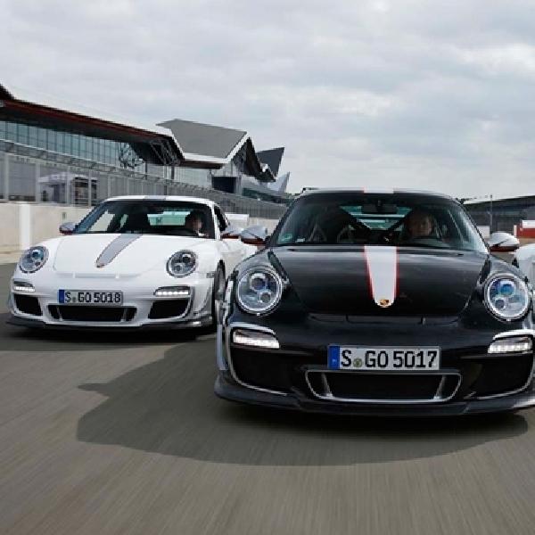 Porsche Ajak Warga Yogyakarta Jajal Macan S dan Porsche Boxster