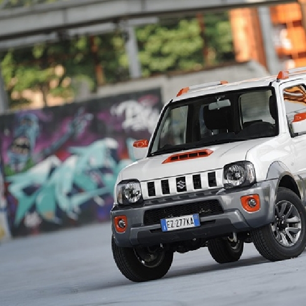 Suzuki Jimny Street Terbatas 100 Unit
