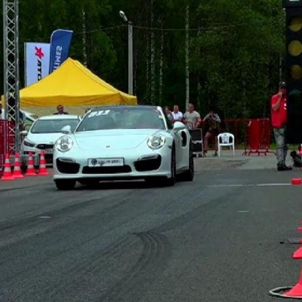 Porsche 911 Turbo Pecundangi Lamborghini Aventador dan C63 AMG
