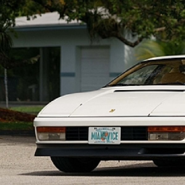 Ferrari Testarossa di Film Miami Vice Dilelang