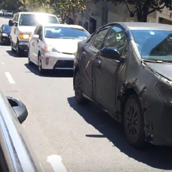 Generasi keempat Toyota Prius hybrid Terekam di Jalanan