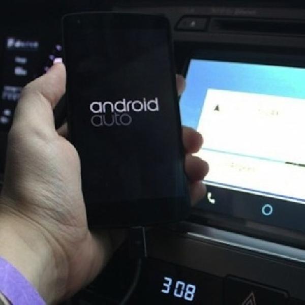 Toyota Tolak Pasang Sistem Operasi Apple dan Android