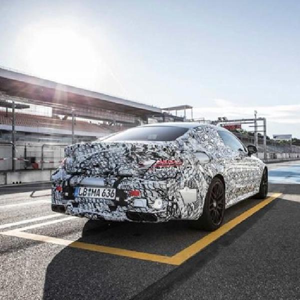 Mercedes Mulai Goda Teaser Mercedes-AMG C63 Coupe