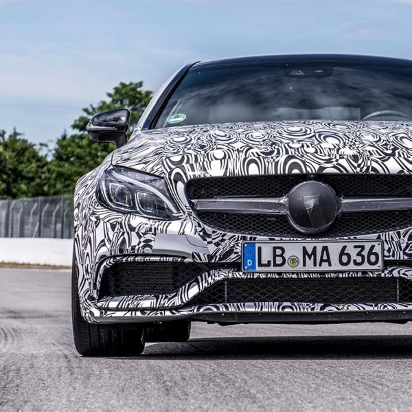 Video Penampakan Mercedes Benz AMG C63 Coupe