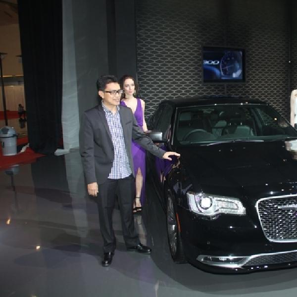 Garansindo Luncurkan New Chrysler 300C di IIMS 2015