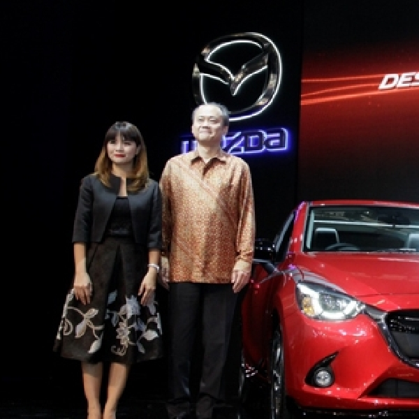 Mazda Luncurkan All New Mazda 2 Limited Edition dan Biante Limited Edition di GIIAS 2015