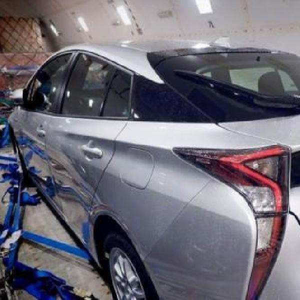Toyota Prius Hybrid Berwajah Gahar Mulai Tampakan Diri