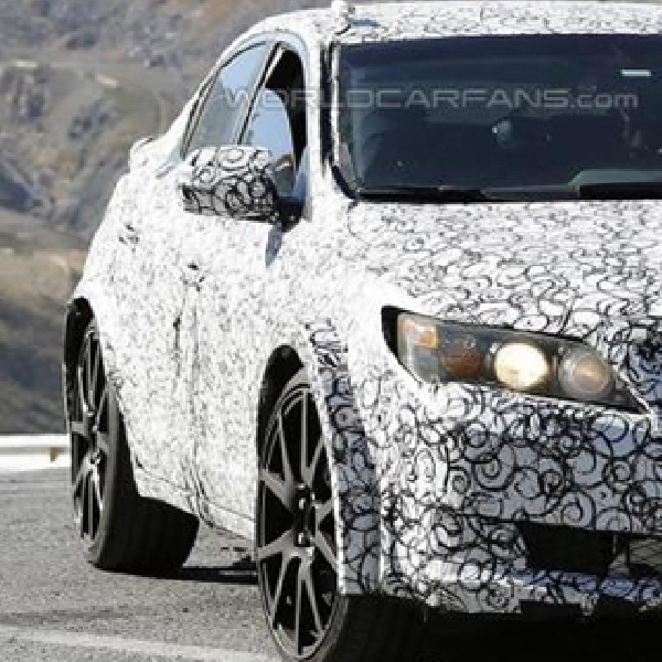 Generasi Baru Honda Civic Type R Dibekali Tiga Knalpot