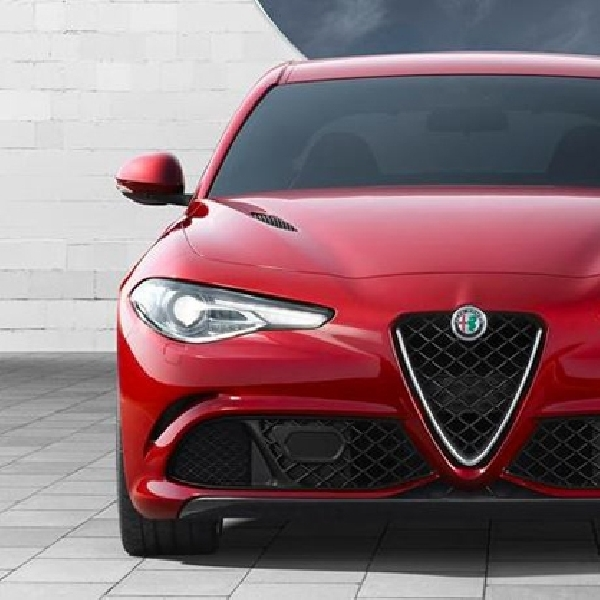 Alfa Romeo Giulia QV Kini Jadi Sedan Tercepat di Dunia