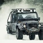 Land Rover Defender dan Ranger Rover Sport Ala James Bond