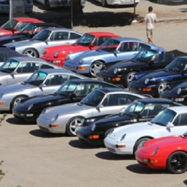 Ribuan Penggemar Porsche Lintas Generasi Padati California
