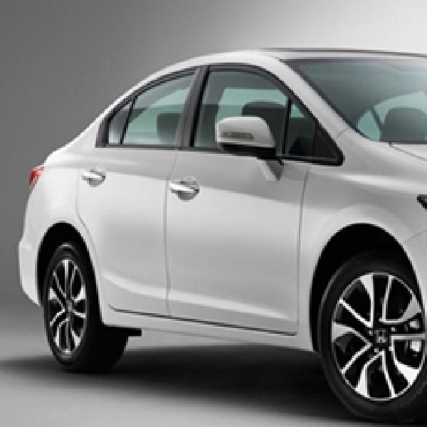 Honda Tarik Ratusan Ribu Jazz dan Civic