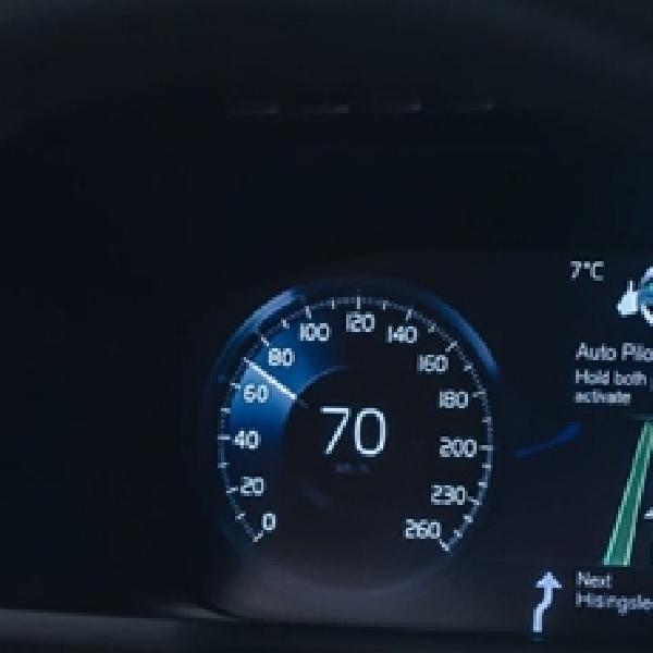 Volvo Kembangkan Teknologi Auto Pilot