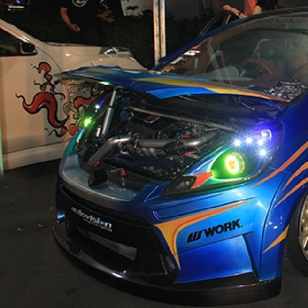 Future Honda Signal Kustom Sabet The Champ BlackAuto Battle 2015 Bandung