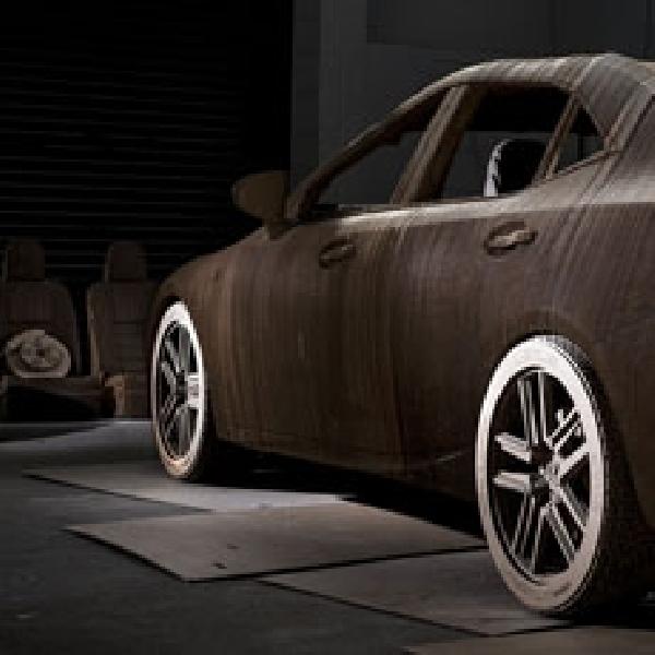 Lexus IS dari 1.700 Lembar Karton