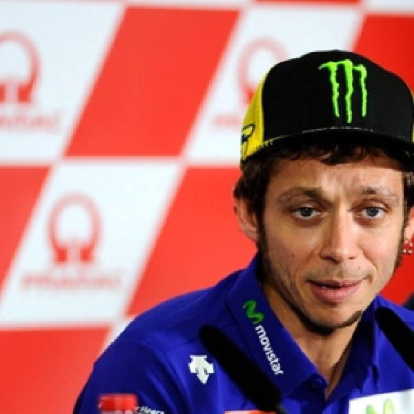 MotoGP: Rossi Akui Hubungannya Dengan Lorenzo Mulai Tegang