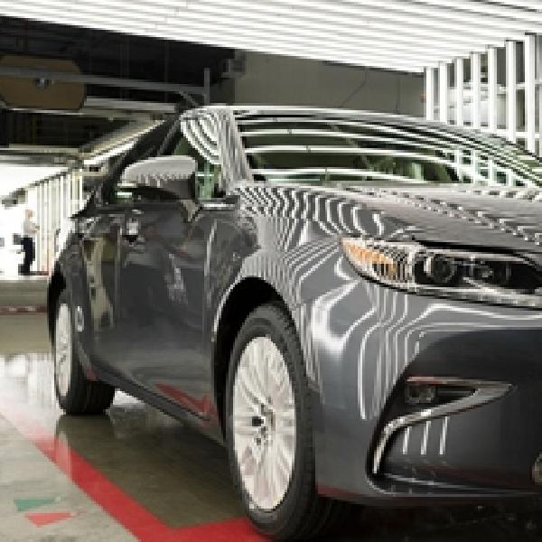 Lexus Rayakan Kelahiran ES 350 di Amerika Serikat