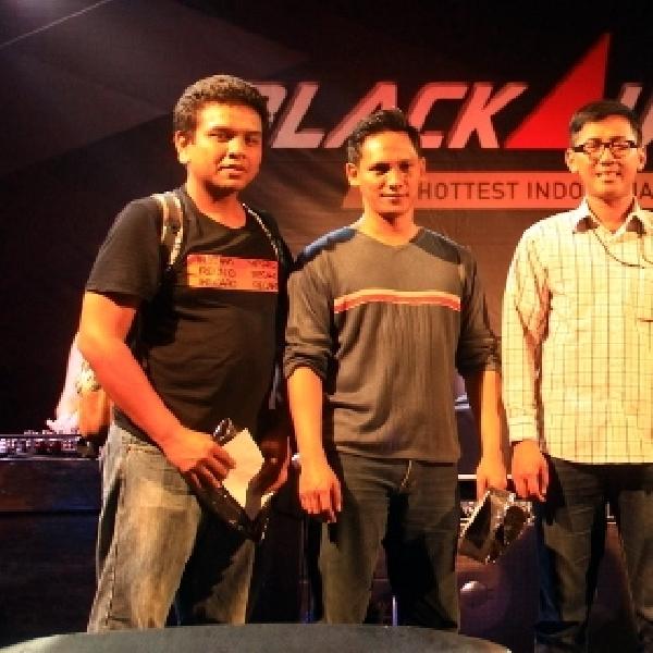 Pengunjung BlackAuto Battle 2015 Purwokerto, Antusias Ikuti Game What Car