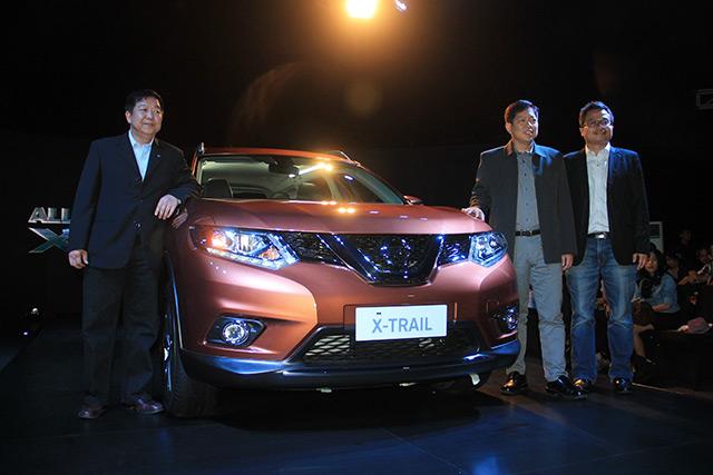 All New Nissan X-Trail Diganjar Penghargaan Car of The Year 2014 -  blackxperience.com