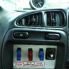 Panel switch menggantikan keberadaan head unit