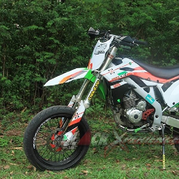 Modif Kawasaki KLX150 Demi Mengemban Tugas