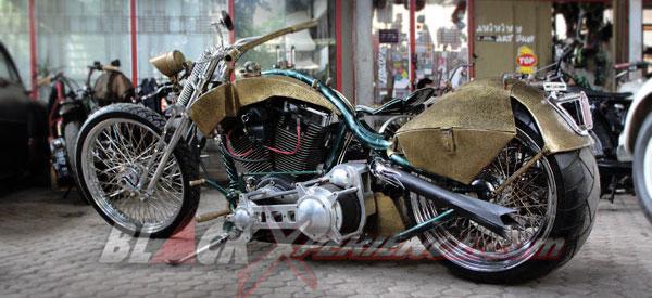 """Rangka Kastem """"Nongkrong"""" di Chopper Bagger"""