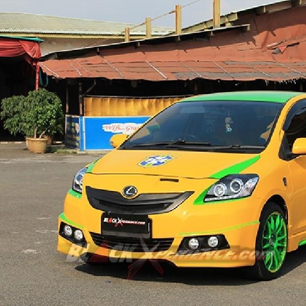 Toyota Limo Edisi Tim Samba
