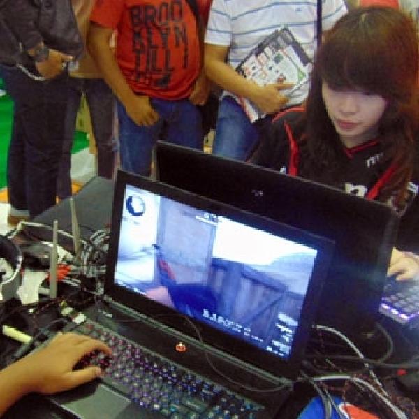 Tantang Gamer Wanita Profesional, Berhadiah Setengah Juta