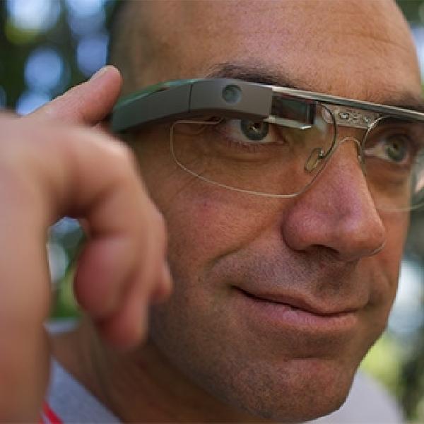 Google Ternyata Belum Menyerah dengan Google Glass