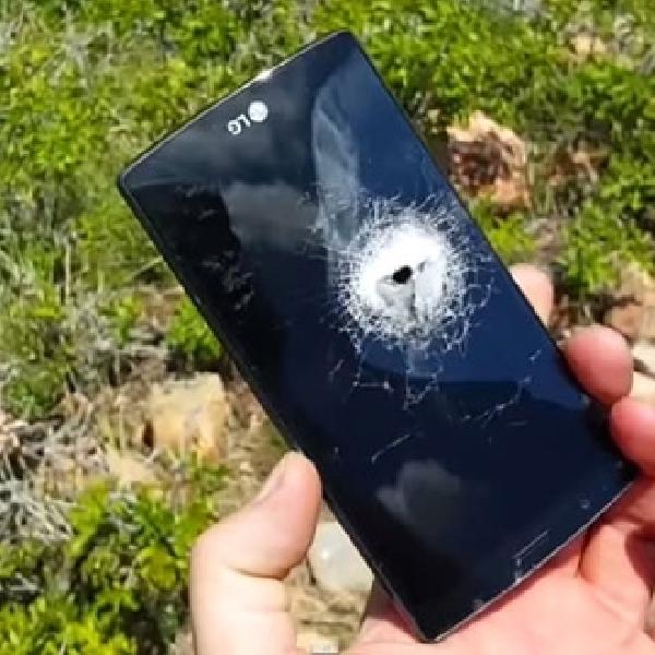 Dua Kali Ditembak Famas, LG G4 Hancur Lebur