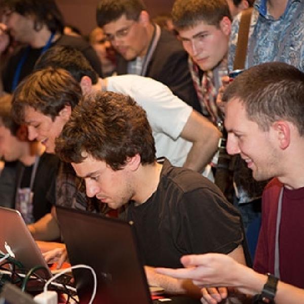 Hacker Ternama George Hotz Gabung Ke Tim Keamanan Google, Project Zero