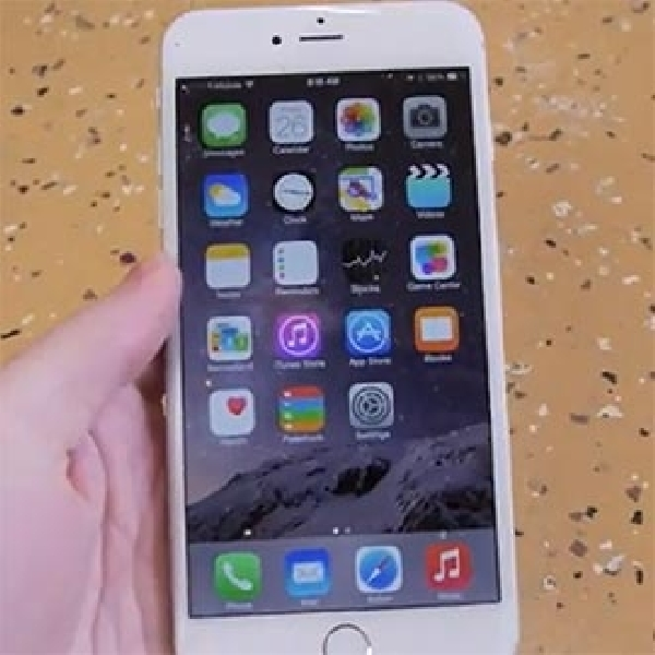 Video iPhone 6 Plus Dilindas Mobil 1,5 Ton