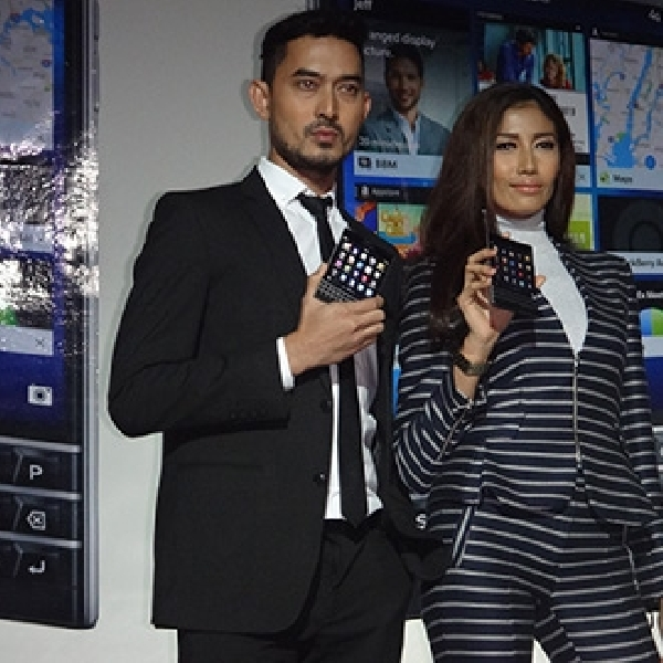'Smartphone Persegi' BlackBerry Passport Akhirnya Tiba di Indonesia